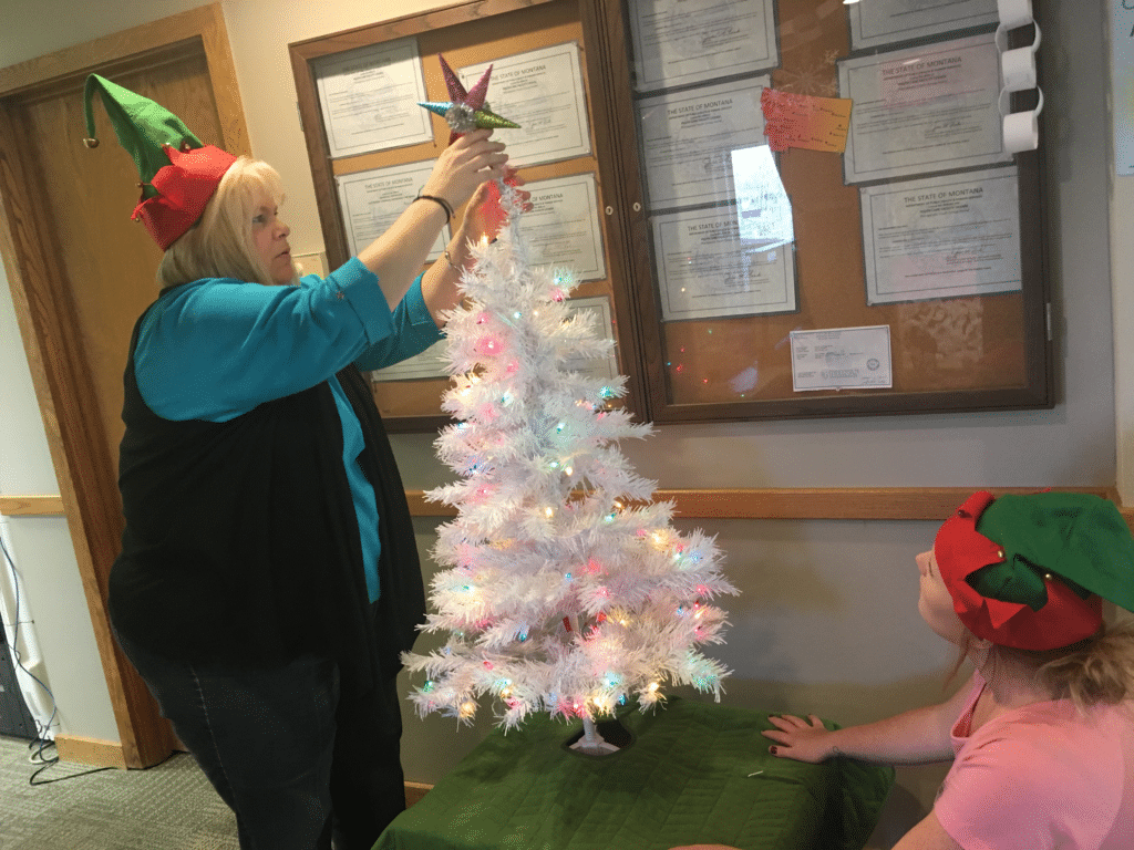Shirley and Taylor decorating Angel Tree 1024x768 - Angel Tree Brings the Holidays to Youth Dynamics