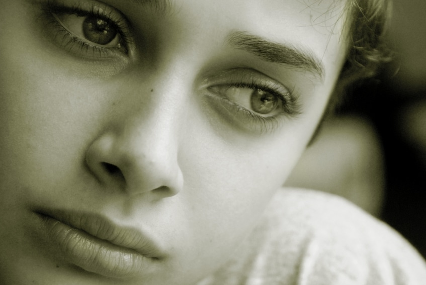 sad teen - 10 Ways to Stop 23,000 Children From Aging Out of Foster Care