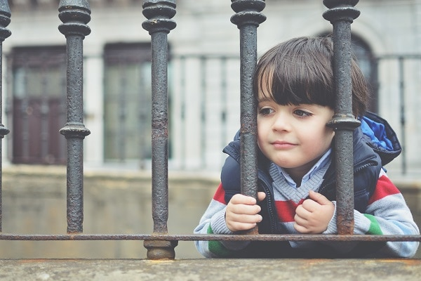 sad child mental health - Mental Illness in Kids: The Surprising Warning Signs